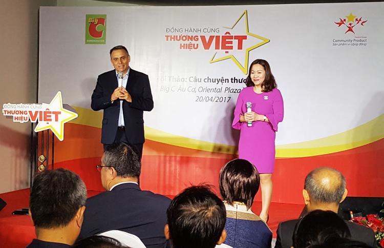 Ông Philippe Broianigo, Tổng giám đốc Central Group Việt Nam và Big C Việt Nam chia sẻ các chính sách hỗ trợ của đơn vị này cho các doanh nghiệp vừa và nhỏ Việt Nam