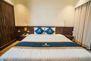 Phòng Suite 1 giường cỡ lớn (Pé Lầm)