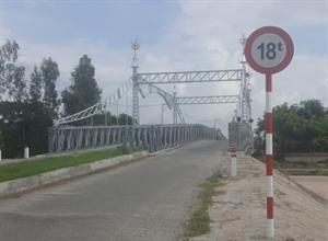 Cầu qua khu dân cư Cán bộ huyện Thoại Sơn