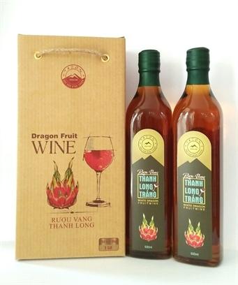 Rượu vang thanh long trắng 500ml (chai vuông)