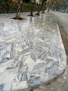 đá TỰ NHIÊN  lát lối đi