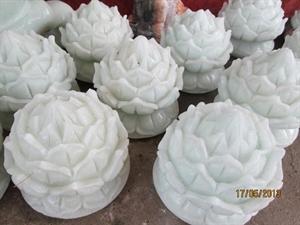 Hoa sen bằng đá nguyên khối