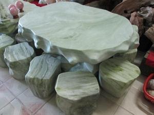Bàn ghế đá ngọc