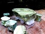 Bộ bàn đá ngọc xanh liền khối
