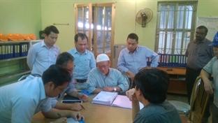 The visit of The delegation of Malaysia power at COMA2 in April, 2004