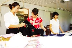 Công ty TNHH Thêu Minh Trang đưa hàng thêu ren truyền thống vươn lên hội nhập