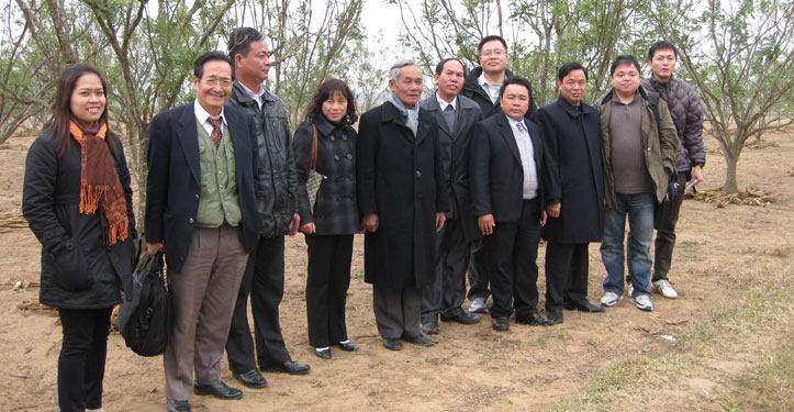 Đối tác Nhật Bản thăm vùng trồng Hòe Khải Hà